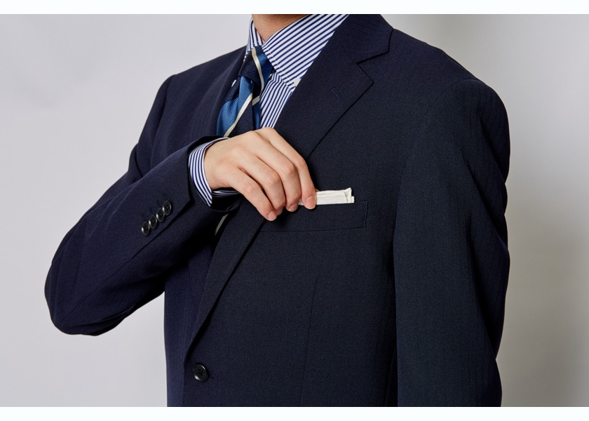 スーツにあったポケットハンカチーフの選び方・折り方・入れ方