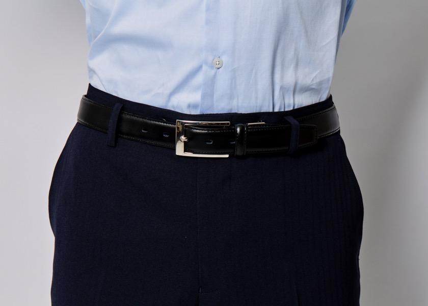 スーツ着用時の正しいベルトの選び方