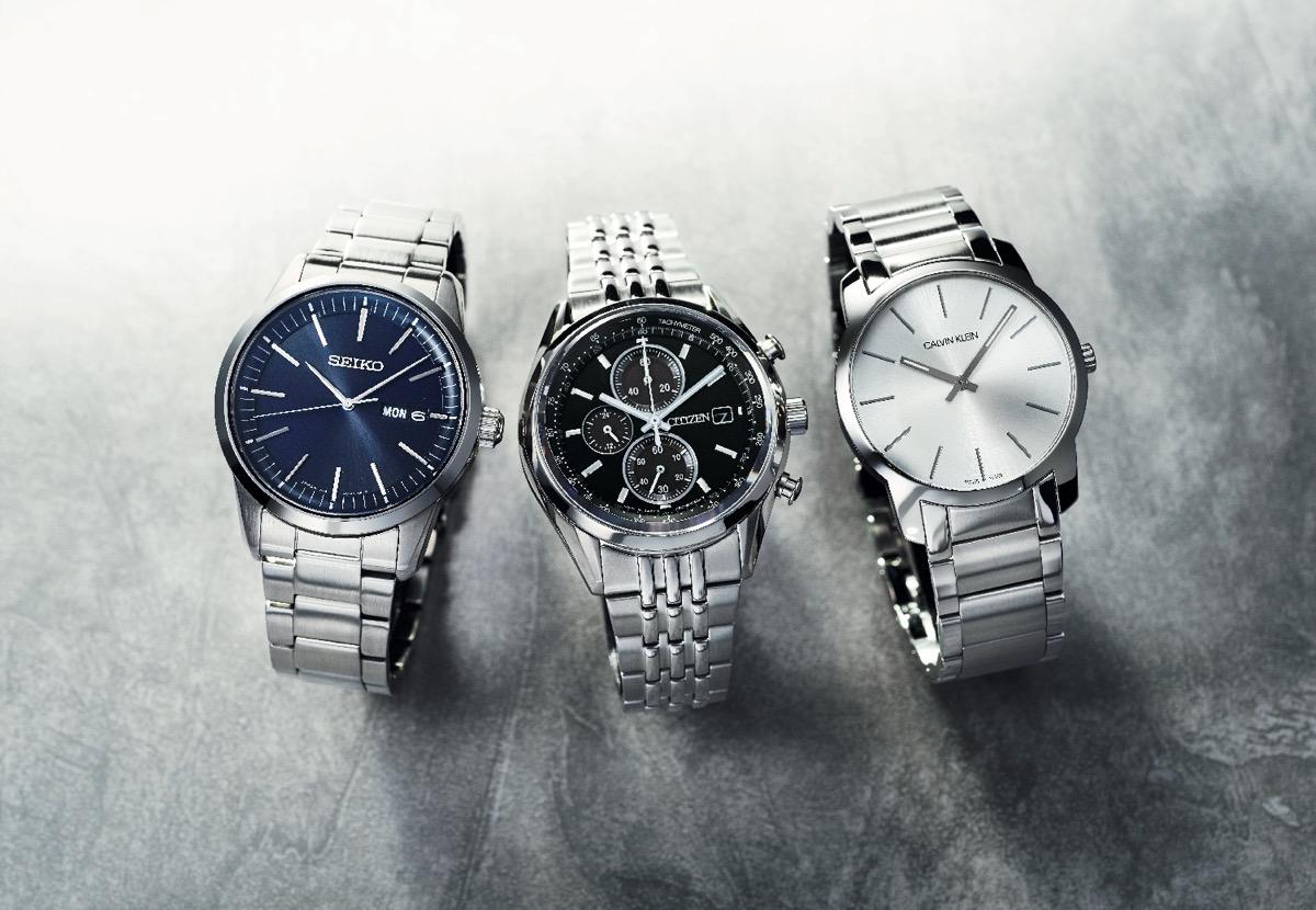 3e57d3c1da 凛とした輝きを放つステンレススチールの時計は、頼り甲斐のある手元を演出してくれるまさに大人のためのアイテム。さわやかでクセのない佇まいで、幅広いテイストの服  ...
